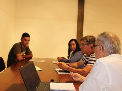Na Torreira com pescador local, Anabela Valente, mariscadora da Ria e dirigente local da Mútua, Jerónimo Viana, Diretor, e Edgar de Sousa, Responsável de Zona da Mútua